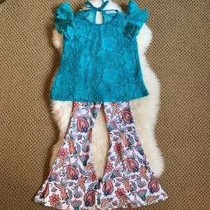 Kapri Couture bell bottom outfit size 4-5